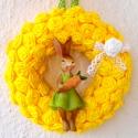 Húsvéti sárga ajtódísz nyuszilánnyal - Rendelhető, Dekoráció, Otthon, lakberendezés, Húsvéti díszek, Ajtódísz, kopogtató, Papírművészet, Vidám húsvéti ajtódísz sárga rózsákból, amelyen egy kedves nyuszilány kapott helyet. A virágokat eg..., Meska
