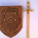 Oroszlános kard és pajzs szett, Játék, Fajáték, Kerti játék, Famegmunkálás, Fotó, grafika, rajz, illusztráció, Oroszlános kard és pajzs szett együtt az igazi örömteli játékért.Az oroszlános fa kard mindkét olda..., Meska
