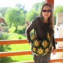 Afrikai virágos oldal táska, Táska, Szatyor, Tarisznya, Válltáska, oldaltáska, Nagyon jó gyapjú akril  fonalból horgoltam ezt a táskát, amit érdekes fagombbal zártam, hogy ne lehe..., Meska