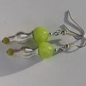 Jade fülbevaló, Ékszer, Fülbevaló, Világos zöld jáde ásványgyöngyből készült fülbevaló. Hossza akasztóval együtt kb. 5 cm., Meska