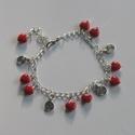 Karkötő szívekkel - piros, Ékszer, Szerelmeseknek, Karkötő, Kis piros+- szív alakú üveggyöngyökkel díszített karkötő. Hossza tetszőlegesen állítható.. ..., Meska