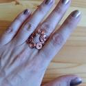 Lyukas gyűrű, Ékszer, óra, Esküvő, Ruha, divat, cipő, Gyűrű, Ékszerkészítés, Fémmegmunkálás, Vörös rézdrótból összefűzött, hajlított, kunkorított gyűrű. Állítható, úgy ér össze a két vég, mint..., Meska