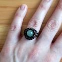 Körülfonva, Ékszer, Esküvő, Ruha, divat, cipő, Gyűrű, Rézgyűrű fonatos mintával, fix ujjmérettel. Aventurin ásvánnyal díszítettem, a kő hatása: csillapítj..., Meska