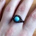 Egy szem türkiz, Ékszer, Esküvő, Ruha, divat, cipő, Gyűrű, Egy szem türkiz színű Howlit ásvány díszíti e fonott mintás gyűrűt, melyet rézdrótból tekergettem. A..., Meska