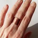 Dupla vagy semmi!, Ékszer, Esküvő, Ruha, divat, cipő, Képzőművészet, Hajlított, kalapált réz gyűrű, melyet kétféleképpen lehet viselni és még minimálisan állítani is leh..., Meska