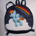Rainbow dash / Póni hátizsák - én kicsi pónim, Táska, Hátizsák, Varrás, Ki ne ismerné az Én kicsi pónim mesét?  Ő itt Rainbow dash. Időjárás felelős és hűséges.  A gyerekt..., Meska