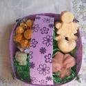 Húsvéti kosárka, Baba-mama-gyerek, Szépségápolás, Szappan, tisztálkodószer, Natúrszappan,  A húsvéti kosár tartalma: 1 db Virágözön szappan 1 db muffin 1 db levendulás kislány 1 db mini leve..., Meska