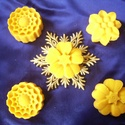 Béta-karotinos virágok, Baba-mama-gyerek, Szépségápolás, Szappan, tisztálkodószer, Natúrszappan, Ápoló szappan shea-vajjal, búzacsíraolajjal, kakaóvajjal, béta-karotinnal.  A béta-karotin hatékonya..., Meska