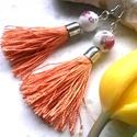 Orange fülbevaló, Ékszer, Fülbevaló, Brilles hatású cérnából készült bojt, narancs sárga színben, festett porcelán gyöngy dís..., Meska