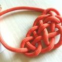 Akció! Ninetta narancs sárga nyaklánc, Ékszer, Kicsit merevebb kötélből készült könnyed nyaklánc, narancssárga színben, különleges csomózással. 8 m..., Meska
