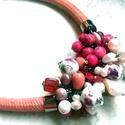 Virágos porcelán-ásvány-tenyésztett gyöngy nyaklánc