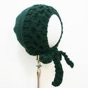 Forest Green Bonnet kézzel kötött gyapjú babasapka, Baba-mama-gyerek, Baba-mama kellék, Kötés, Minőségű gyapjúfonalból kézzel kötött klasszikus bonnet stílusú megkötős, méhsejt mintás megkötős b..., Meska