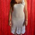 Fehér horgolt csipke ruha nagy virággal, Esküvő, Táska, Divat & Szépség, Menyasszonyi ruha, Ruha, divat, Női ruha, Ruha, Vékony fonalból horgoltam ezt a csinos ruhát. Menyasszonyi ruhának is alkalmas. Mellbőség 85-90 cm h..., Meska