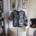 Meleg horgolt kabátka szürkés színben, Modern mintával készült ez a kellemes női fels...