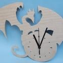 Fa sárkányos óra, Dekoráció, Otthon, lakberendezés, Férfiaknak, Falióra, óra, Famegmunkálás, Fából készült óra sárkány mintával, csendes óraszerkezettel, 1 db AA elemmel, falra akasztható.  Mé..., Meska