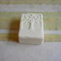 himalája sóval készült szappan, Szépségápolás, Baba-mama-gyerek, Mindenmás, Szappan, tisztálkodószer, Szappankészítés, Kecsketejjel készítettem ezt a különleges, ápoló szappant.A kecsketej igazi kecsketejet jelent, bar..., Meska