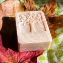 Zölddió szappan problémás bőrre, selyemmel, Szépségápolás, Fürdőszobai kellék, Szappan, tisztálkodószer, Natúrszappan, Szappankészítés, Zölddió macerátum hozzáadásával készült ez a szappan.Sebek gyógyításában használatos, hámszövet öss..., Meska
