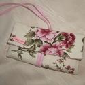 Textil ékszertartó vitange rózsás, Ékszer, óra, Ékszertartó, Vitange stílusban készült ez a romantikus rózsás darab. Púder rózsaszín színei a legfiatalabb hölgye..., Meska