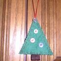 karácsonyfadísz filcből, Dekoráció, Karácsonyi, adventi apróságok, Karácsonyi dekoráció, Varrás, Filcből készítettem ezeket a karácsonyfákat, melyek igazán egyediek.   10 cm + 9 cm szalag   ára 30..., Meska