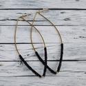 Elegáns, alkalmi fekete gyöngyös drót fülbevaló, Ékszer, óra, Fülbevaló, Elegáns, alkalmi fekete gyöngyös rézdrótból hajlított  fülbevaló. Hossza 6,5 cm. Bármilyen..., Meska