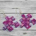 Lila mintás puzzle fülbevaló, Ékszer, óra, Medál, Nyaklánc, Hőre keményedő gyurmából készült lila mintás puzzle fülbevaló. Mérete 2,5x2,5 cm. Ha szeretnél medál..., Meska