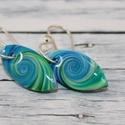 Mini kék zöld fülbevaló, Ékszer, óra, Mindenmás, Fülbevaló, Hőre keményedő gyurmából készült mini csepp fülbevaló, hossz mindössze 2 cm.   Azoknak ajánlom akik ..., Meska
