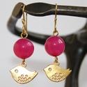 Arany lila madárkás fülbevaló, Ékszer, óra, Fülbevaló, Arany színű madárkás fülbevaló, lila vagy mályva színű gyönggyel díszítve. Saját készítésű egyedi ak..., Meska