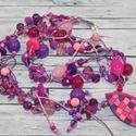 Lila, pink gyöngyös nyaklánc, Ékszer, óra, Nyaklánc, Hőre keményedő gyurma és különböző lila, rózsaszín és pink gyöngyök kombinációjából jött létre ez az..., Meska