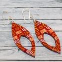 Piros narancs hosszúkás fülbevaló, Ékszer, óra, Fülbevaló, Hőre keményedő gyurmából készült hosszúkás fülbevaló.Hossza 4,3 cm. Saját készítésű antiallergén ezü..., Meska