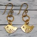 Arany madárkás fülbevaló, Ékszer, óra, Mindenmás, Fülbevaló, Arany színű madaras fülbevaló, saját készítésű akasztóval. Pillekönnyű viselet., Meska