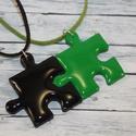 Zöld és fekete barátság puzzle medálok , Ékszer, óra, Medál, Nyaklánc, Hőre keményedő gyurmából készült összeilleszthető zöld és fekete barátság medálok. Mérete 2,5x2,5 cm..., Meska