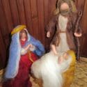 Mária, József és kis Jézus, Dekoráció, Képzőművészet, Otthon, lakberendezés, Baba-és bábkészítés, Nemezelés, Waldorf jellegű, tűnemezelt technikával készült kidolgozott figurák. Magasságuk kb 15 cm.   Alapany..., Meska
