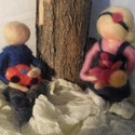 Játszó gyermekek, Baba-mama-gyerek, Dekoráció, Otthon, lakberendezés, Waldorf jellegű, tűnemezelt technikával készült  Játszó gyermekek dekorációként az évszak..., Meska