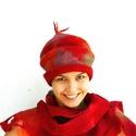 Nemez kalap és fejpánt - fehér merinó gyapjú és selyem, Ruha, divat, cipő, Kendő, sál, sapka, kesztyű, Sapka, Nemezelés, Nemez kalap sapka - piros  Ez a gyönyörű kalap kézzel készült, nemezelési technikával. Kiváló minős..., Meska