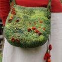 virágos erdő nemez táska, , Táska, Válltáska, oldaltáska, Nemezelés, Varrás, A táskát többféle zöld gyapjúból nemezeléssel készítettem.  A táska nyílása 17 cm, legmélyebb pontj..., Meska