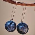 kék rózsa - nemez fülbevaló, Ékszer, Fülbevaló, A fülbevalót kék színű gyapjúból nemezeltem. Hosszú, ezüst színű fém akasztóra illeszte..., Meska