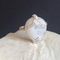 Szivárvány holdkő gyűrű art nouveau, Ékszer, Esküvő, Gyűrű, Esküvői ékszer, Az art deco illetve art nouveu stílusban készült medáljaim ihlették ezt a szivárvány holdkő gyűrűt. ..., Meska