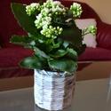 Nagy méretű virág kaspó, Dekoráció, Otthon, lakberendezés, Kaspó, virágtartó, váza, korsó, cserép, Tárolóeszköz, Fonás (csuhé, gyékény, stb.), Egyedi, papírból készült virág kaspó. Elkészítésekor a papírokat úgy válogatom össze, hogy abból bá..., Meska