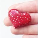 Pöttyös Szivecske - piros-fekete vagy piros-fehér színekben, Ékszer, Bross, kitűző, Gyurmából készültek ezek az egyszerű de nagyszerű szívek. ( : Kétféle színben készítettem őket: * pi..., Meska
