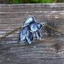 Aranyhal - Zsugorka medál láncon, Ékszer, Medál, Nyaklánc, Fehér halacska lakkozva, bronz színű láncon.  A medál mérete 40 x 40 mm A lánc teljes hossza 45 cm..., Meska