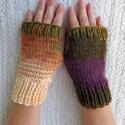 Edenhope- kötött kézmelegítő S-M méretű. Puha meleg kézmelegítő/ ujjatlan kesztyű, Táska, Divat & Szépség, Női ruha, Ruha, divat, Sál, sapka, kesztyű, Kesztyű, Barna-khaki-lila színátmenetes akril fonalból,  készült ez a puha, meleg kézmelegítő.  A színátmenet..., Meska