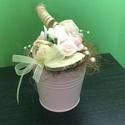 Tavaszi dekoráció, Dekoráció, Dísz, Mindenmás, A virágvárós ünnepi hangulatok eredmènye ez a kedves kis dísz.  Rózsaszín fém aljú polifoam rózsákk..., Meska