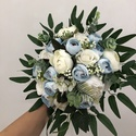 Kék-fehér rózsás és bazsarózsás menyasszonyi örökcsokor, Gyönyörű örökcsokor, minőségi örökrózsá...