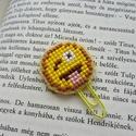 Emoji könyvjelző keresztszemes hímzéssel, Naptár, képeslap, album, Könyvjelző, Hímzés, A könyvjelzőt keresztszemes hímzéssel, kézzel készítettem. Műanyag alapra készült, mely megfelelő t..., Meska