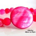 Nőies tündöklés kollekció 13-kagyló- és ásványgyöngy karkötő, Ékszer, Karkötő, Ezt a nyári karkötőt egy nagy, kerek, intenzív pink színű kagylógyöngyből, és pink színű..., Meska