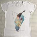 Női póló- A Nő- egyedi, saját készítésű mintával, Táska, Divat & Szépség, Ruha, divat, Női ruha, Póló, felsőrész, Fotó, grafika, rajz, illusztráció, Egyedi, saját grafikai mintával készült. A póló mintáját a Procreate nevezetű programban rajzoltam...., Meska