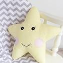 Csillag párna - Happy Pillows , Baba-mama-gyerek, Otthon, lakberendezés, Lakástextil, Párna, Vidám, egyedi csillag formájú párnát készítettünk kedves arccal.   A mérete kb: 40x40 cm   Csak a me..., Meska