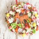 Őzikés virágos kopogtató, Dekoráció, Virágkötés, Egyedi stílusban készült, őzikés, virágos kopogtató az ősz színeivel kombinálva. Mérete: 27cm , Meska