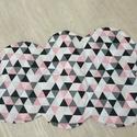 Játszószőnyeg, Baba-mama-gyerek, Otthon, lakberendezés, Gyerekszoba, Lakástextil, Tündéri rózsaszín-fekete geometrikus mintájú felhő alakú szőnyeg. 82 cm hosszú és 52 cm széles.Lehet..., Meska