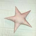 Csillag díszpárna, Baba-mama-gyerek, Otthon, lakberendezés, Gyerekszoba, Lakástextil, Varrás, Puha, finom pasztell mintás, babarózsaszín csillag díszpárna.46 cm átmérőjű, öt ágú. Polieszter gol..., Meska